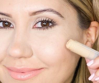 Jak zrobić rozświetlacz do twarzy?
