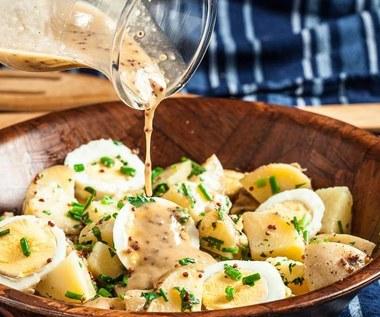 Jak zrobić sałatkę ziemniaczaną z jajkiem