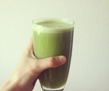Jak zrobić sok z selera naciowego i cytryny na obniżenie cholesterolu?