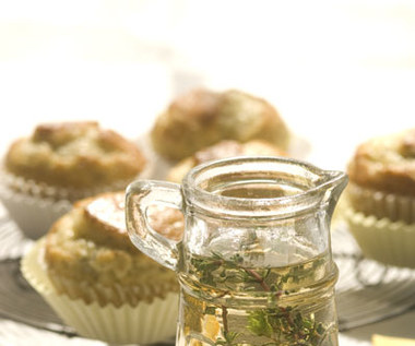 Jak zrobić syrop cukrowy o zapachu ziół?