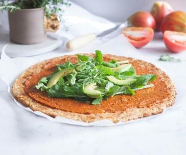 Jak zrobić wegańską pizzę na ziemniaczanym spodzie?