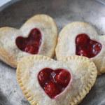Jak zrobić wiśniowe serduszka na Walentynki?