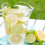 Jak zrobić wodę oczyszczającą?