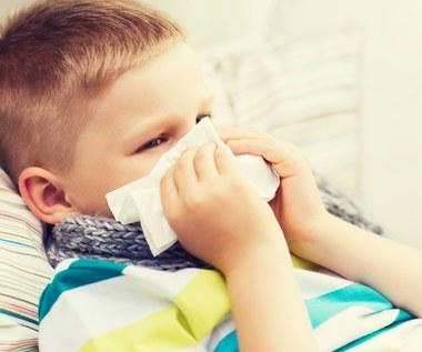 Jak zwalczyć katar u dziecka? Domowe sposoby
