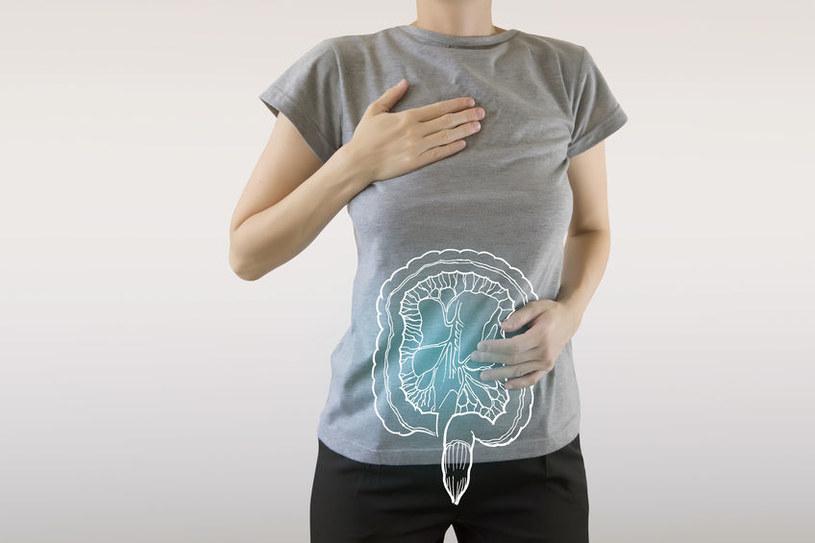 Jaką dietę stosować przy zespole jelita drażliwego? /©123RF/PICSEL