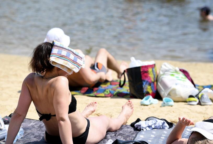 """Jaka pogoda na Dzień Ojca? / Na zdjęciu ilustracyjnym miejskie kąpielisko """"Żwirownia"""" w Rzeszowie /Darek Delmanowicz /PAP"""