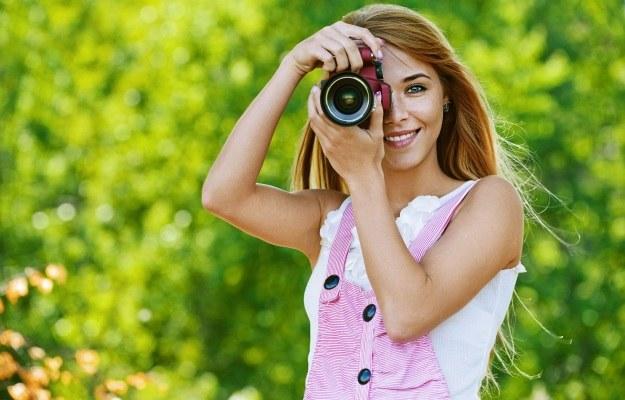 Jaki aparat wybrać? Przede wszystkim musimy wiedzieć, czego potrzebujemy i ile jesteśmy za to gotowi zapłacić /123RF/PICSEL