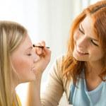 Jaki makijaż zamaskuje rozszerzone pory skóry?