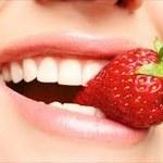 Jakich produktów unikać, aby zachować zdrowe zęby?