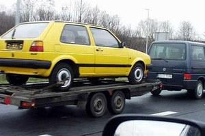 """Jakie auta w Polsce  zaliczają się do kategorii """"złom""""?"""