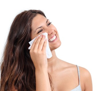 Jakie błędy robisz podczas usuwania makijażu?