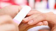 Jakie choroby możemy podejrzewać, gdy zauważymy zmiany na paznokciach?
