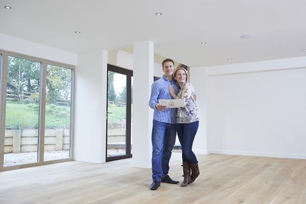 Jakie drzwi wybrać do nowego mieszkania? /©123RF/PICSEL