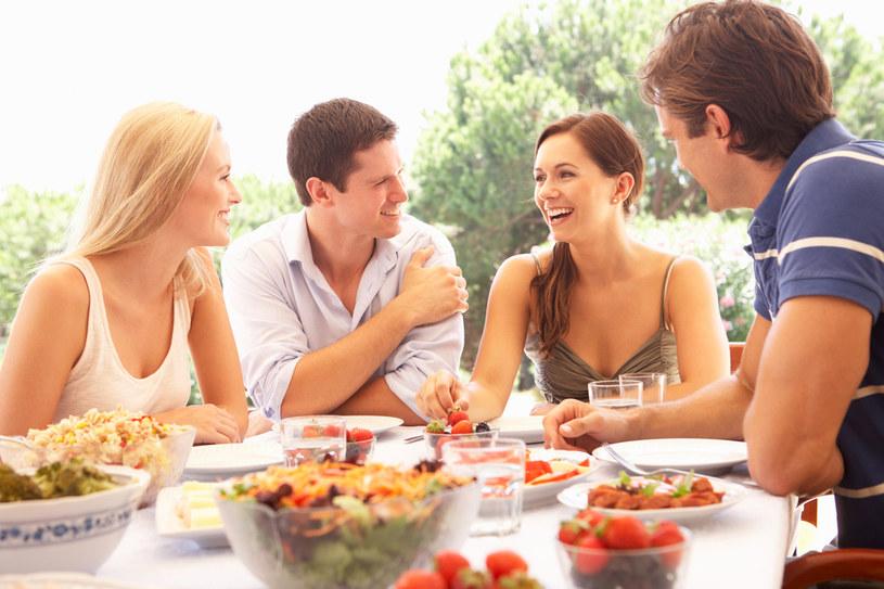 Jakie jedzenie przygotować na imprezę, aby zadowoliło zróżnicowane gusta kulinarne /materiały prasowe