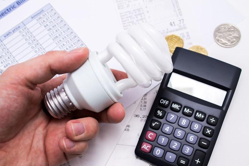 Jakie jeszcze sposoby można zastosować żeby zaoszczędzić prąd? /123RF/PICSEL