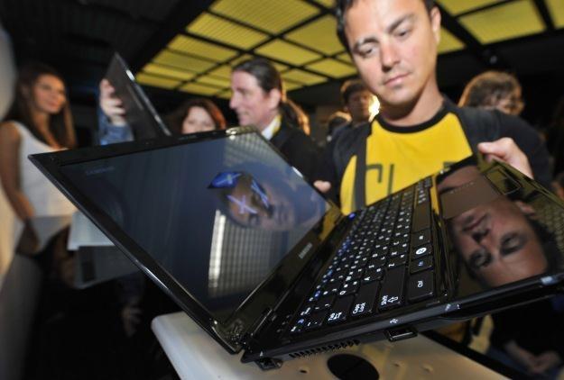 Jakie komputery przenośne kupują Polacy? /AFP