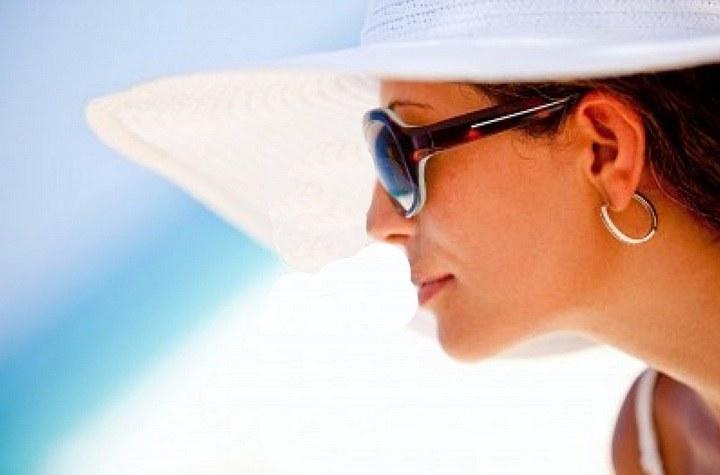 Jakie okulary przeciwsłoneczne /© Photogenica