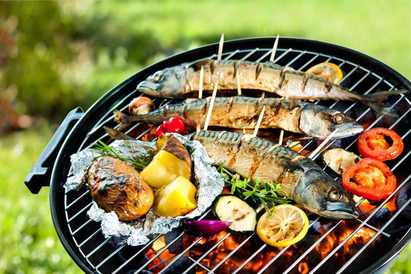 Jakie ryby nadają się do grillowania? /©123RF/PICSEL