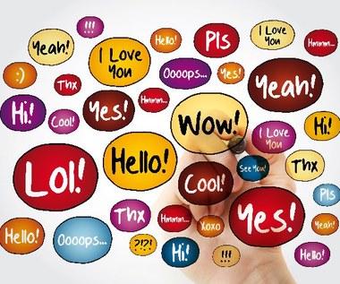 Jakie są angielskie skróty internetowe?