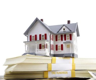 Jakie są dodatkowe opłaty przy kupnie mieszkania?