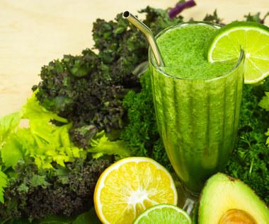 Jakie są korzyści płynące z picia zielonych koktajli?