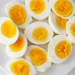 Jakie są korzyści wynikające z jedzenia jajek?
