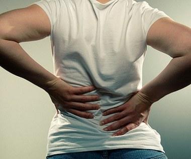 Jakie są podstawowe objawy przepukliny kręgosłupa?