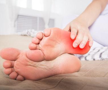 Jakie są przyczyny piekących stóp?