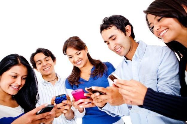 Jakie są wasze ulubione smartfony i operatorzy? /123RF/PICSEL