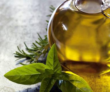 Jakie są właściwości olejku z kadzidłowca