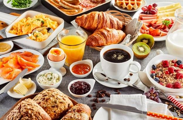 Jakie śniadanie najczęściej jadasz w chłodne dni? /Shutterstock
