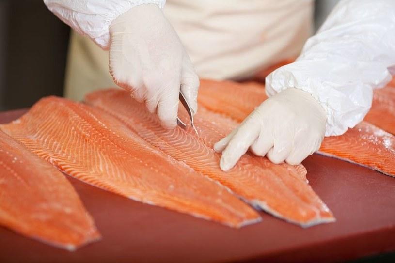 Jakie toksyny kryją się w rybach? /©123RF/PICSEL