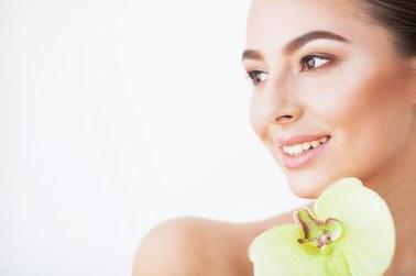 Jakie zabiegi medycyny estetycznej można wykonywać latem?