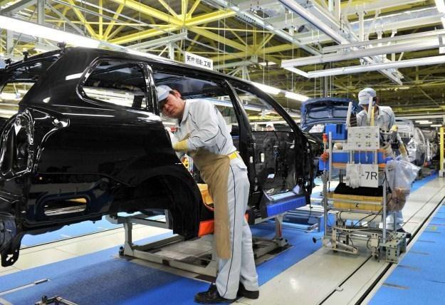 Jakimi samochodami będziemy jeździć w 2050 roku? /AFP