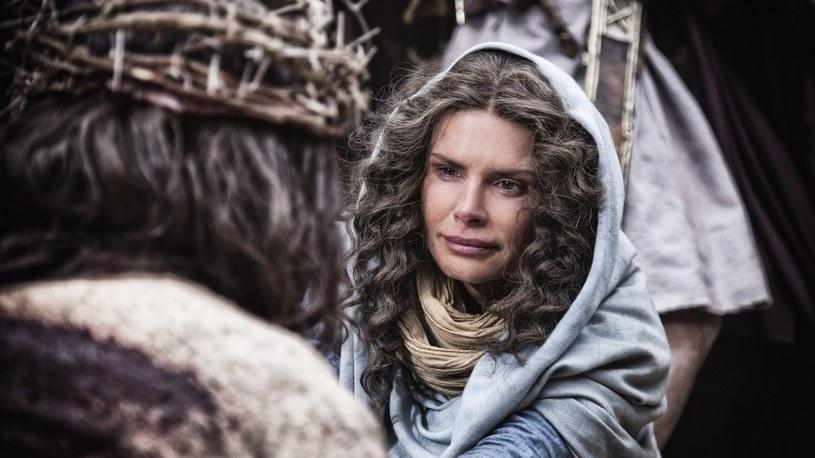 Jako Matka Boska w scenie Drogi Krzyżowej. Aktorka mówi, że łzy były prawdziwe... /Polsat