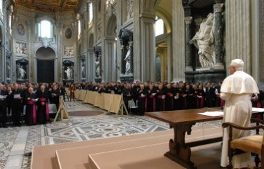 Jako pierwsi o decyzji papieża dotyczącej beatyfikacji Jana Pawła II dowiedzieli się biskupi /AFP