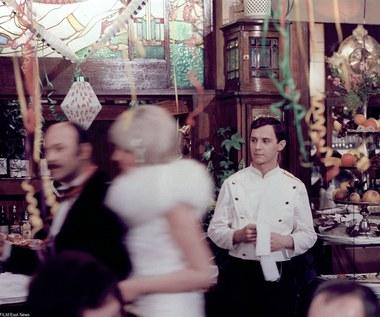 """Jako zawodowy aktor debiutował przed kamerą w """"Końcu wakacji"""" Stanisława Jędryki (1974).  Sukces wśród publiczności i krytyki odniósł rolą w adaptacji powieści Henryka Worcella """"Zaklęte rewiry"""" (1975) w reżyserii Janusza Majewskiego. Kondrat zagrał Romana Boryczkę, który dostaje posadę w luksusowym hotelu """"Pacyfik"""" i pnie się po kolejnych szczeblach kariery."""