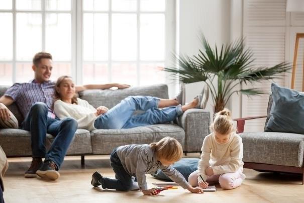 Jakość powietrza, którym oddychamy w swoich domach, można w łatwy sposób poprawić /123RF/PICSEL