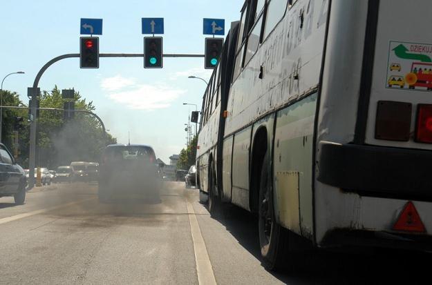 Jakość powietrza w miastach poprawiła się niewiele / Fot: Michał Kość /Reporter