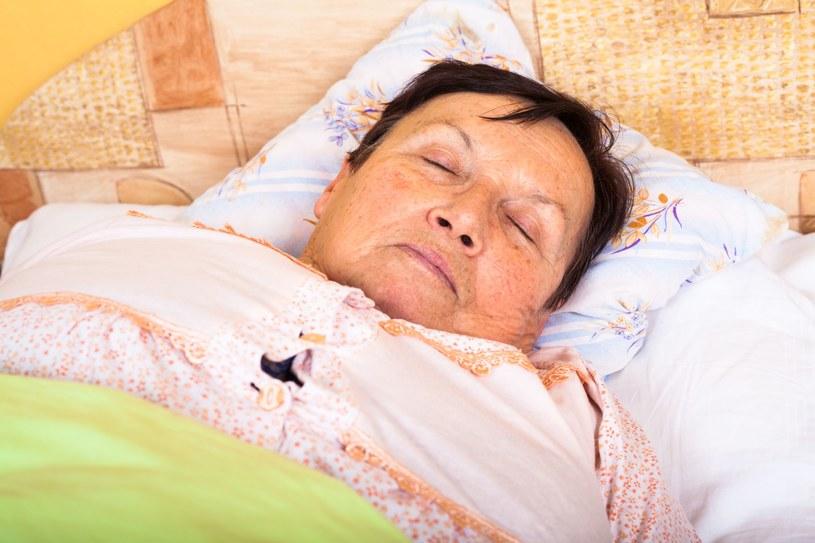 Jakość snu wpływa na to, jak będziemy czuć się za dnia /123RF/PICSEL