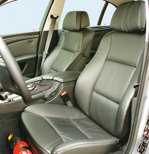 Jakość wykończenia wnętrza jest bardzo wysoka. (kliknij, żeby powiększyć) /Motor