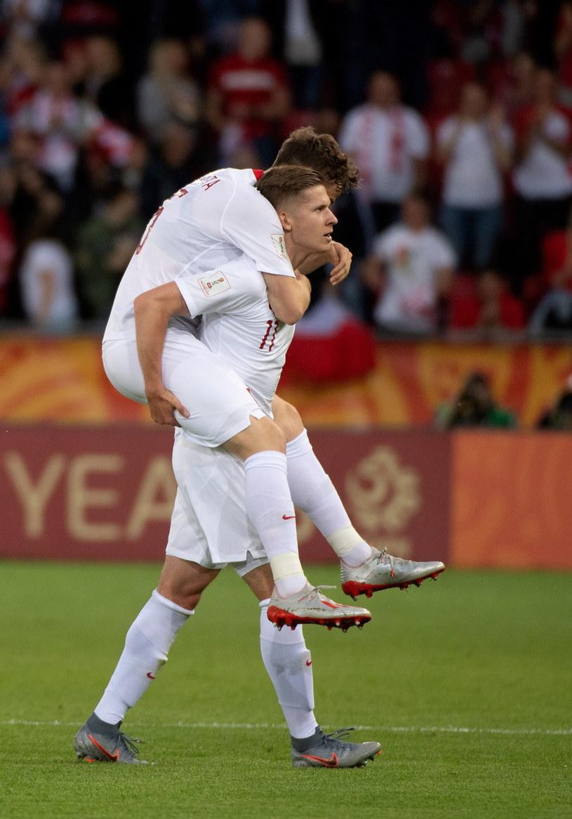 Jakub Bednarczyk cieszy się z gola w meczu z Tahiti /Grzegorz Michałowski /PAP