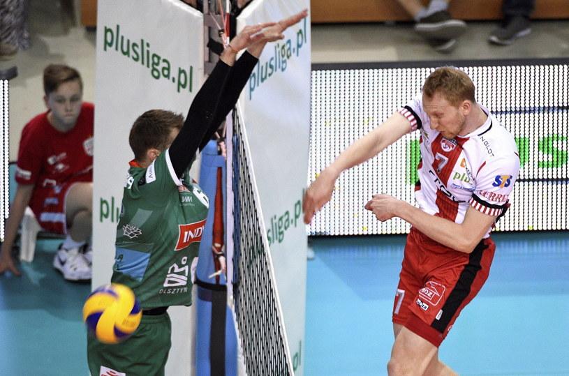 Jakub Jarosz w meczu z AZS-em Olsztyn /Darek Delmanowicz /PAP