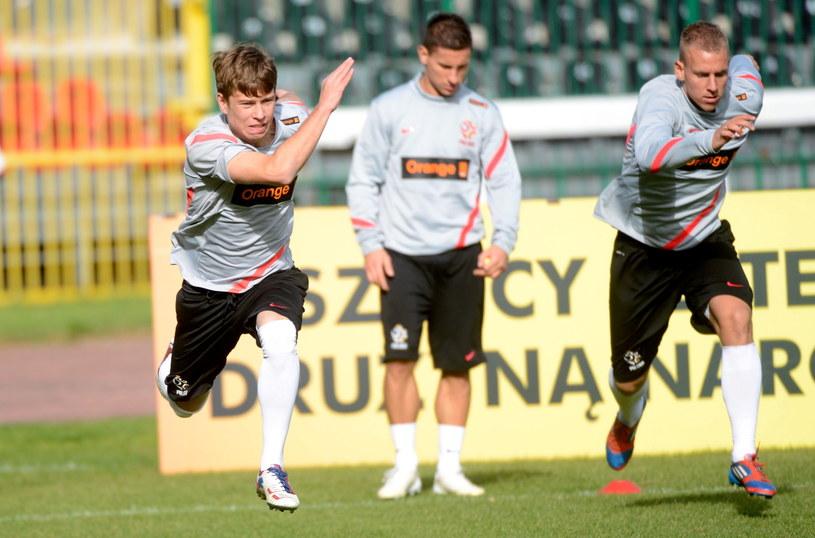 Jakub Kosecki (pierwszy z lewej) doznał kontuzji podczas treningu /Fot. Bartłomiej Zborowski /PAP