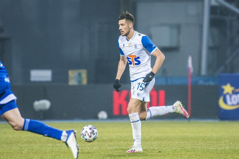 Jakub Moder w meczu Lecha Poznań ze Stalą Mielec /KAROL SLOMKA / 400mm.pl / NEWSPIX.PL /Newspix