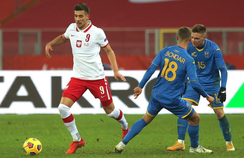 Jakub Moder (z lewej) podczas meczu z Ukrainą / Andrzej Grygiel    /PAP