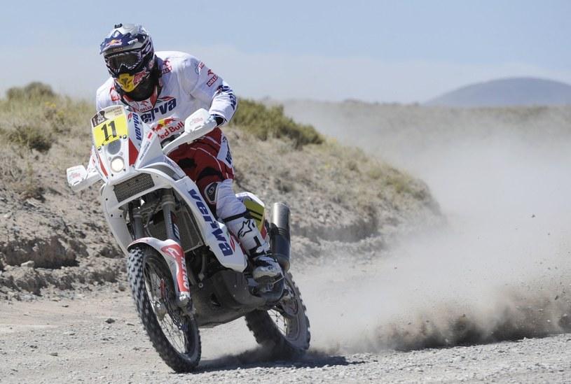 Jakub Przygoński największe sukcesy w Rajdzie Dakar odnosił jadąc na motocyklu /AFP