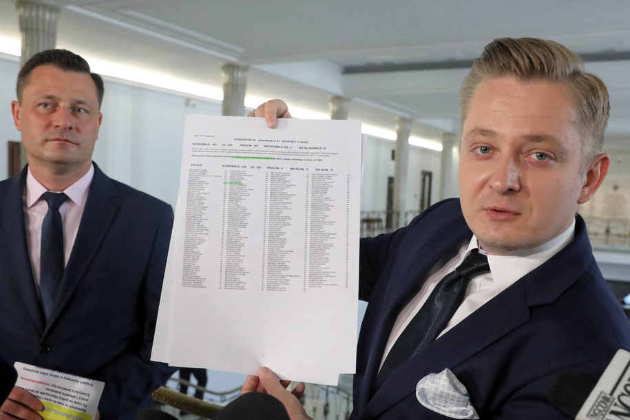 Jakub Stefaniak / Tomasz Gzell    /PAP