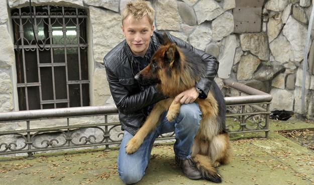 Jakub Wesołowski - bohater serialu i i tytułowy Alex /AKPA