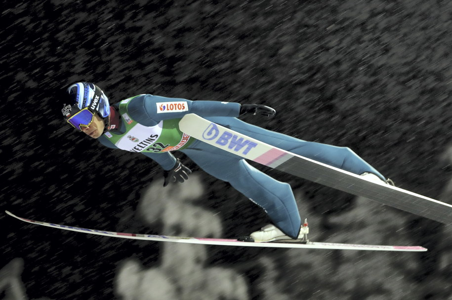 Jakub Wolny podczas kwalifikacji przed zawodami Pucharu Świata sezonu 2019/2020 w skokach narciarskich / Grzegorz Momot    /PAP